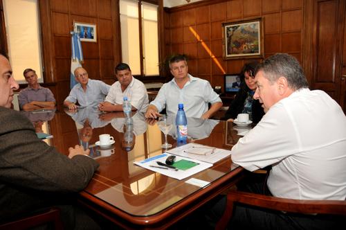 Reunión. El diputado Ziegler, la senadora Giménez y directores del Inym con Yauhar.