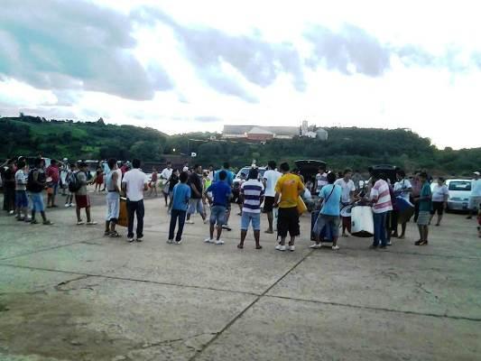 La marcha realizada el domingo último para recuperar el predio sobre el río Paraná.