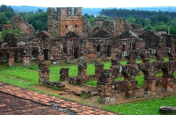El foro recorrerá museos y la ruta jesuítica en Paraguay, Brasil y Misiones.