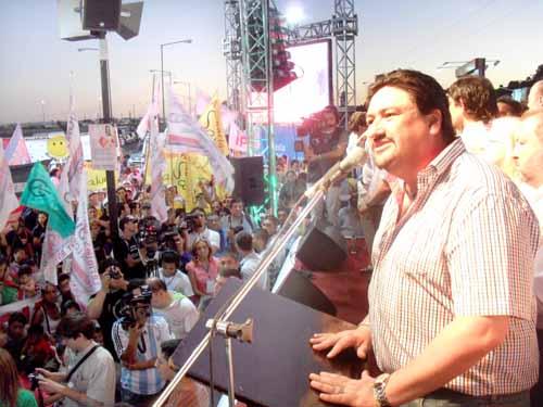 El Gobernador Maurice Closs en la Fiesta de la Democracia y el cierre de Acá Nomás Todo V