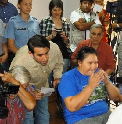 El momento en que este mediodía el Tribunal ordenó la libertad de María Ramona Ovando.