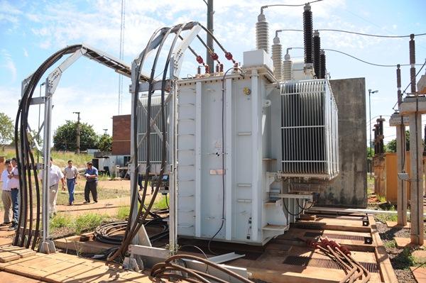 Nuevo transformador eléctrico en Puerto Iguazú, generador de 44 megas.