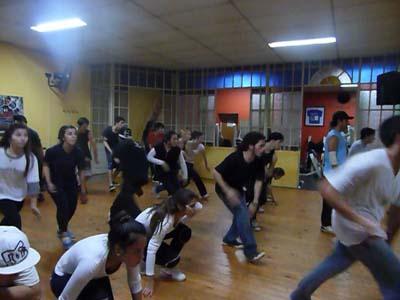 El Grupo HighQuality en pleno entrenamiento para la competencia de Universal Dance Misiones