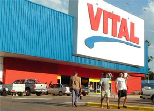 El supermercado mayorista ya registró una animada actividad en su primer día