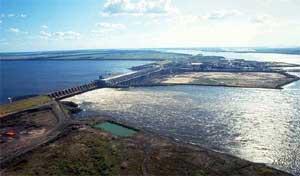 Energía. Yacyretá puede generar el 25 por ciento de la energía eléctrica que se consume en el país.