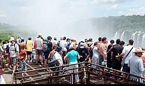 En Posadas y en Iguazú hubo gran cantidad de turistas nacionales y extranjeros.