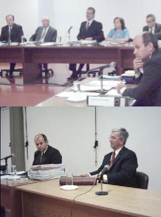 Esta mañana: El juez Reyes, al lado su defensor oficial, arriba un aspecto del jurado presidido por Jorge Rojas.