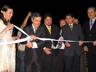 A punto. Rovira, Closs y Franco inauguran el Centro del Conocimiento, la obra más emblemática del Gobierno actual.