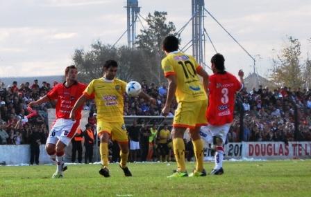 Al final fue 0 a 0 en el estadio Miguel Morales.