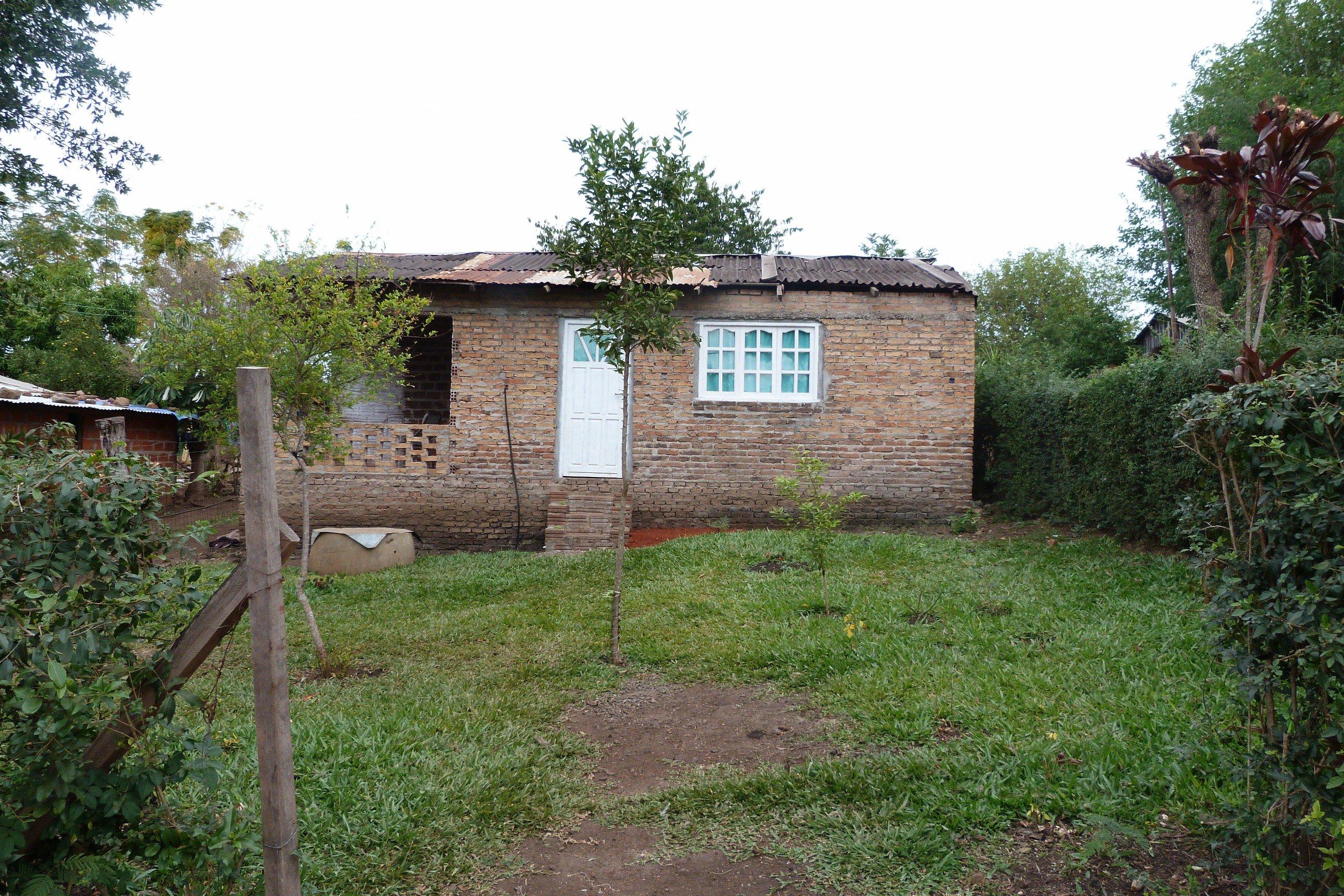 Casa donde vive el chico que fue golpeado brutalmente por el padrastro.