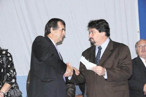 Oposición. Closs compartió el acto con el intendente opositor Ricardo Andruszyszyn.