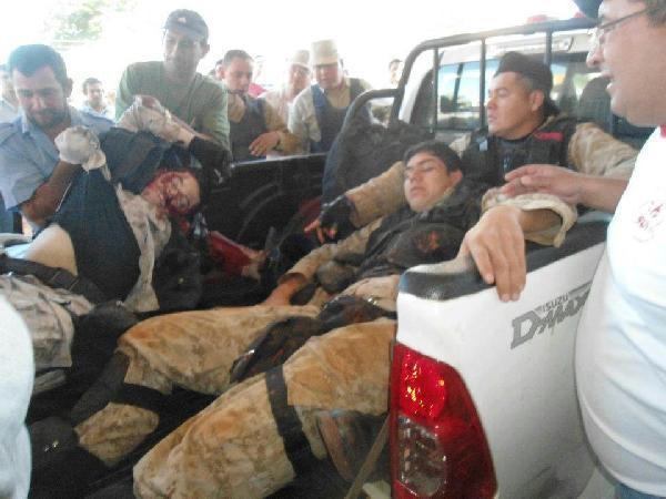Los heridos en el violento enfrentamiento en Curuguaty. (Foto facebook de Alfredo Flecha)