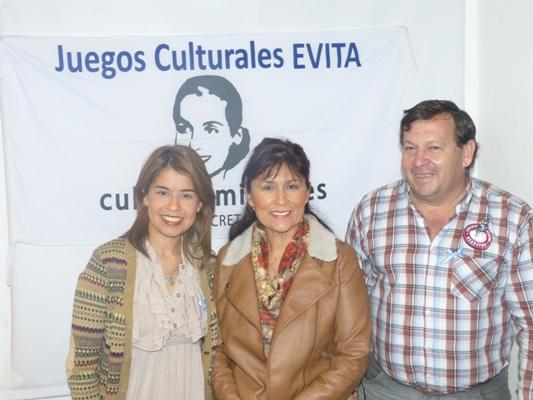 Cynthia Salas Mora, Griselda Martínez y Rafael Larraburu.