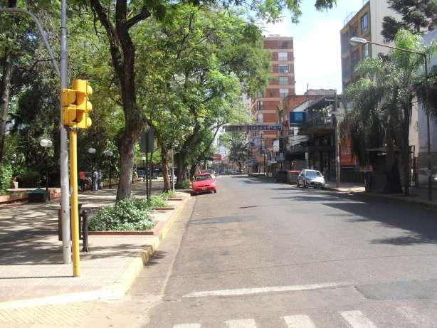 A las 15:20, calle Colón entre San Martín y Bolívar.