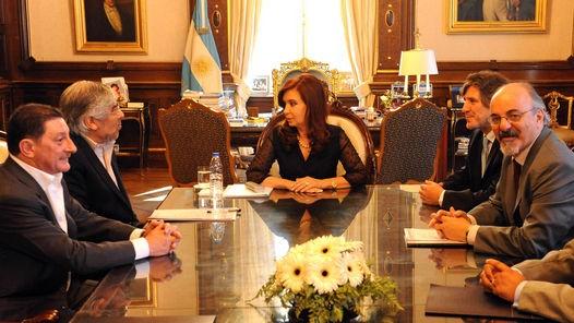 La presidenta Cristina Fernández de Kirchner en la reunión  en Casa de Gobierno con la dirigencia de la CGT encabezada por su titular, Hugo Moyano.