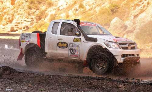 La camioneta Toyota Dakar RCserá conducida por Alcaraz - Cabral.