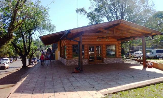 Cafetería en el kilómetro 8 1/2, frente a la CEEL, espera su habilitación hace meses.