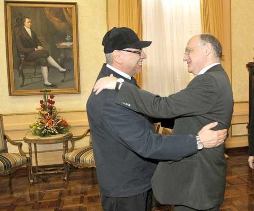 Respaldos. Fernando Lugo saluda a Héctor Timerman, Canciller argentino.