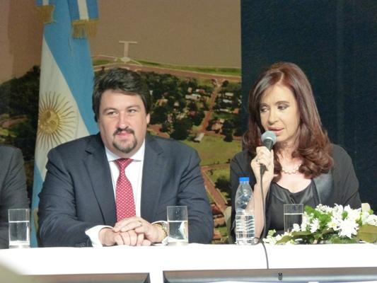 El gobernador Maurice Closs y la presidenta Cristina Fernández en Posadas.