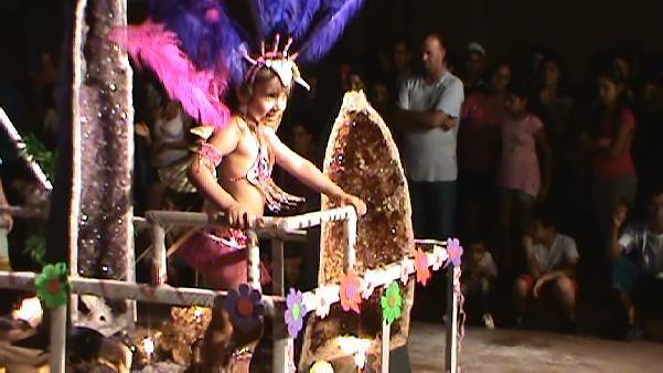 """""""Amatista"""" llevó el primer premio en los carnavales de la ciudad de las """"Piedras preciosas""""."""