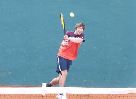 Gustavo Vellbach perdió ante Facundo Manzanares de Rosario y se despidió del torneo.