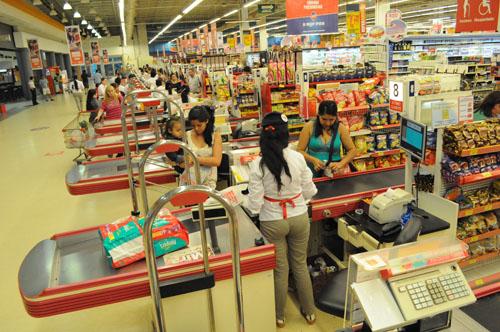 Efectivo. La mayoría de los compradores utiliza dinero para pagar.