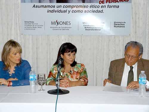 Respaldo. Soria Vieta y Risko acompañaron a Susana Trimarco en Misiones.