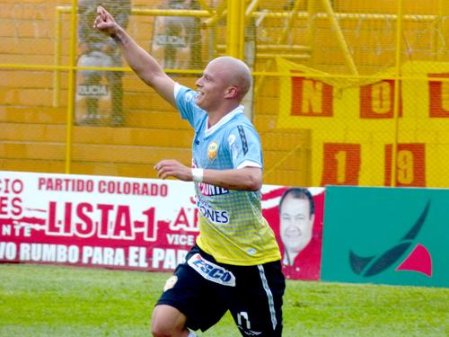 Sergio Sagarzazu, autor del primer gol y una de las figuras de Crucero