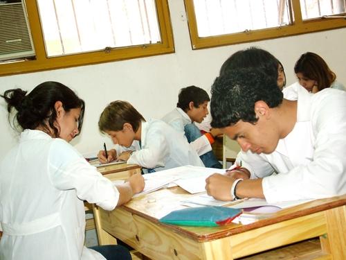 Pidieron que los cursos no pasen de los 25 alumnos y que se construyan colegios para más de 500 estudiantes.