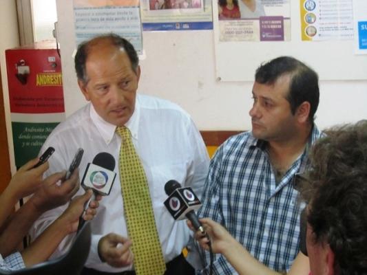 Guillermo P rieto y Oscar Herrera Ahuad en trabajo en conjunto.