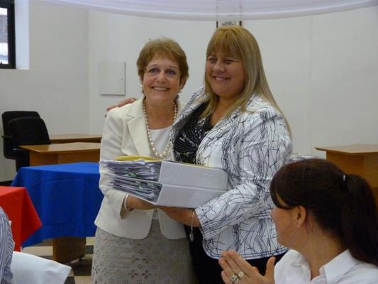 Elida Vigo y la concejal Claudina Deglise, en emotivo acto.