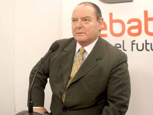 Polémica abierta. Salvador Cabral impulsa que el Estado controle la venta de droga.