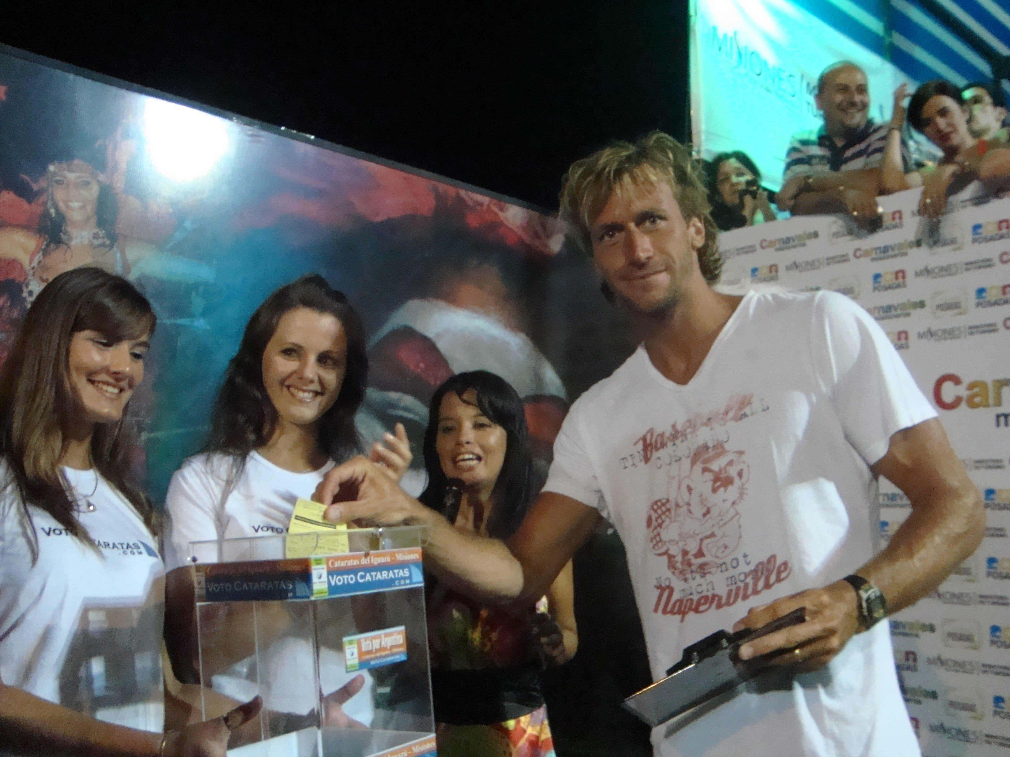 El nadador mundialista José Meolans votó por las Cataratas.