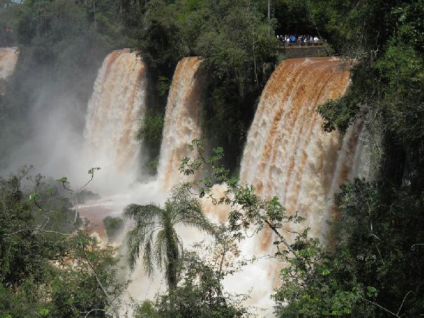 Así están los saltos de Cataratas ahora. (Foto Parque Nacional Iguazú)