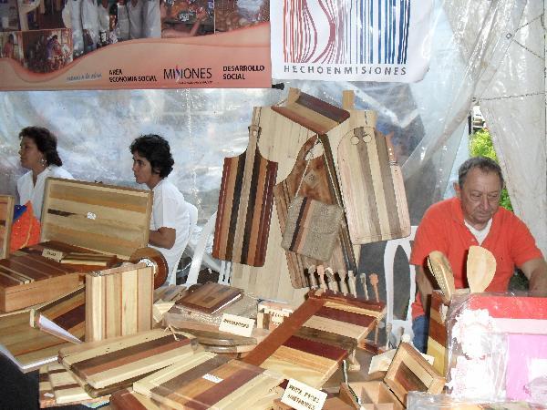 Artesano de la madera, Víctor Frinet, de Posadas.