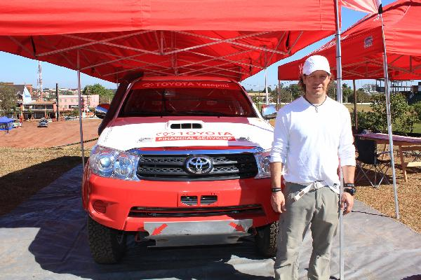 Piloto Alejandro Yacopini de Mendoza ya llegó a Iguazú.