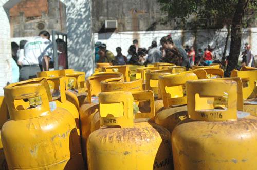 Falta y es caro. Además de que la región no tiene gas natural, paga en algunos casos, el precio más elevado del país.