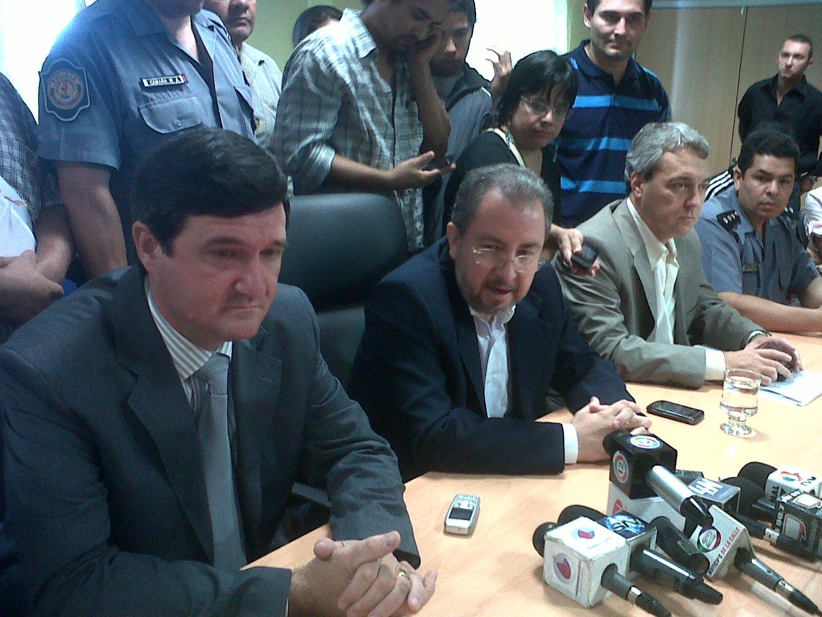 Acuerdo. Franco y Munaretto definieron alcances del acuerdo salarial con policías.