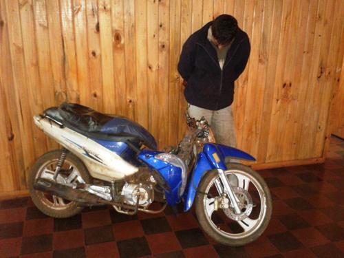 En Campo Grande el delincuente fue sorprendido mientras desarmaba la moto.