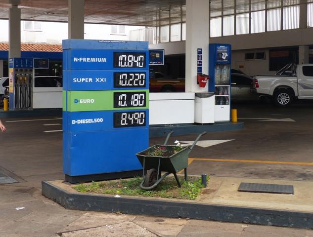 La nafta súper en YPF supera los 10 pesos