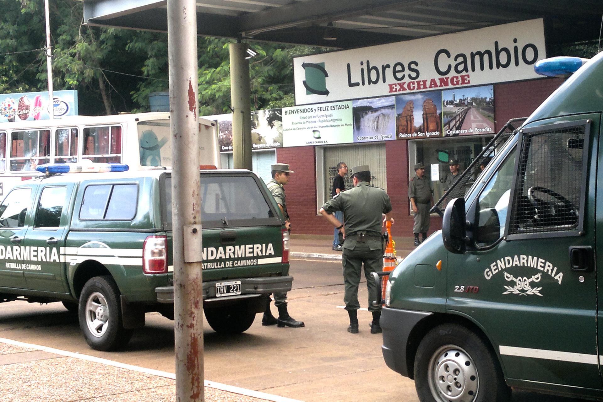 Búsqueda. Los gendarmes hicieron el allanamiento buscando pruebas.