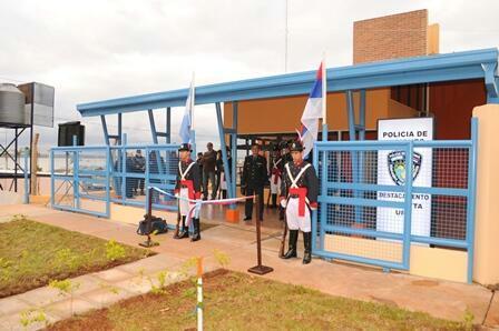 El destacamento del barrio Pirá Pytá inaugurado ayer por el Gobernador.