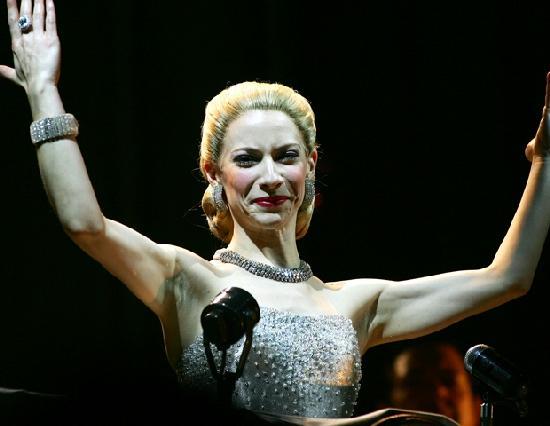 Elena Rogers será la madrina del Iguazú en Concierto 2013 - MisionesOnline
