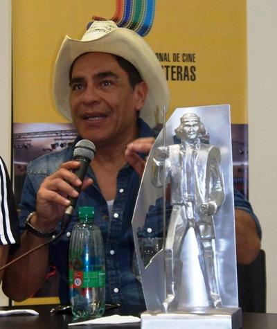 Palomino y un símil del premio Andresito para el festival internacional de cine en Iguazú