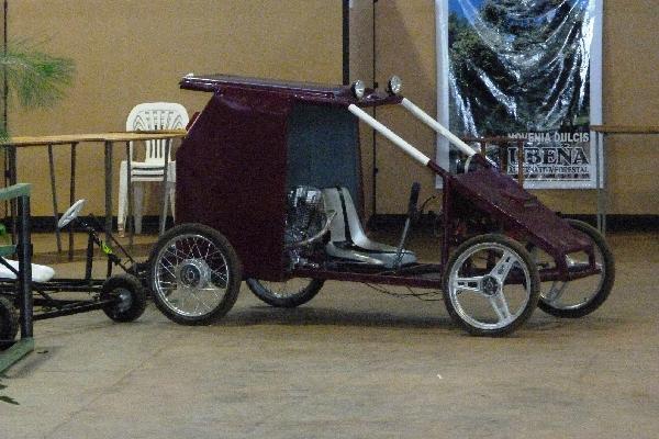 Vehículo a energía solar presentaron en la Expo Misiones Innova 2011.