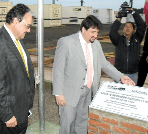Energía. Closs y Cameron inauguraron una usina térmica en Aristóbulo del Valle.
