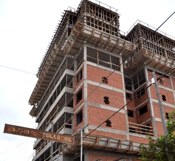 Ladrillos. La construcción crece en Posadas a contramano del resto del país.