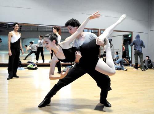 Ensayos. El Ballet se prepara para la inauguración del teatro de Lírica, en junio.