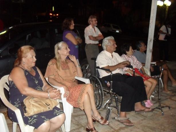El fotógrafo Miguel Cabral fue homenajeado el mes pasado allí también al cumplir 78 años.