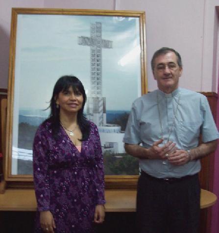 Intendenta Mabel Pezoa y el obispo Juan Rubén Martínez.